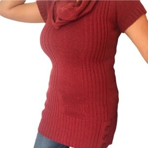 Short sleeve Red sweater & attached scarf
